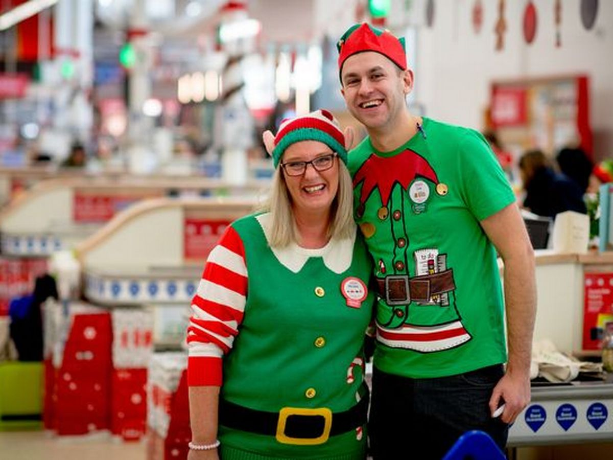 how to attract customers in christmas - event