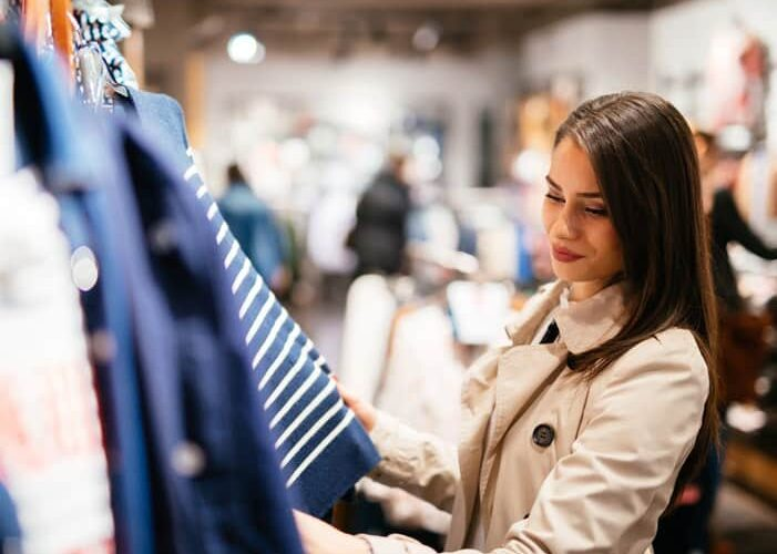What Persuades People to Try A New Retail Store?