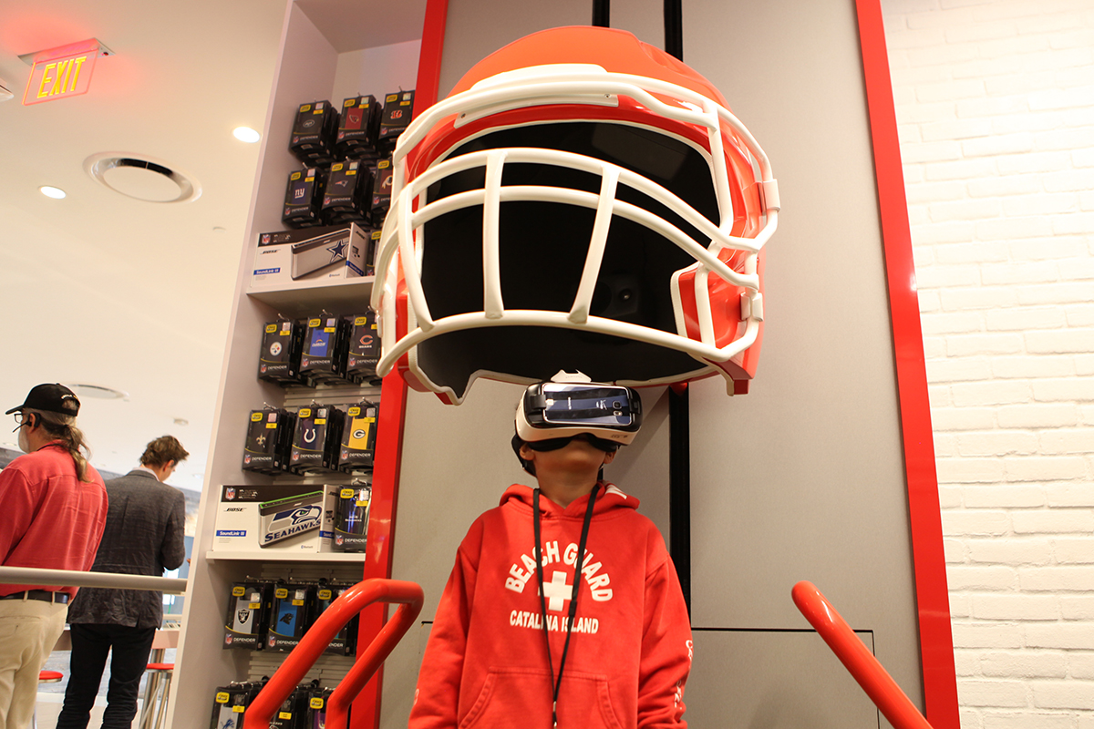 virtual reality (VR) in sports & outdoor retail stores
