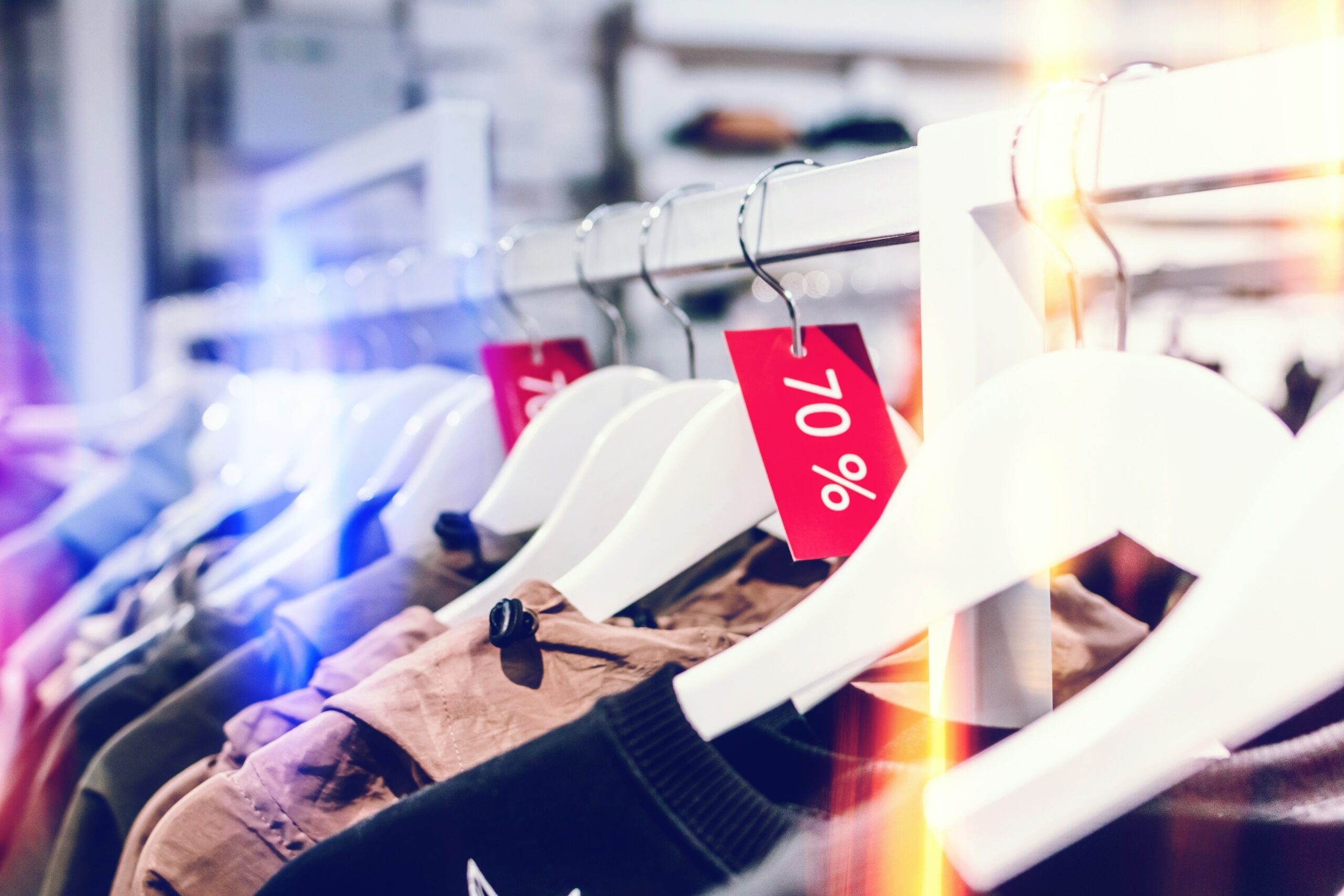 How To Attract Customers To Your Brick-And-Mortar Stores In Cyber Monday - promotions