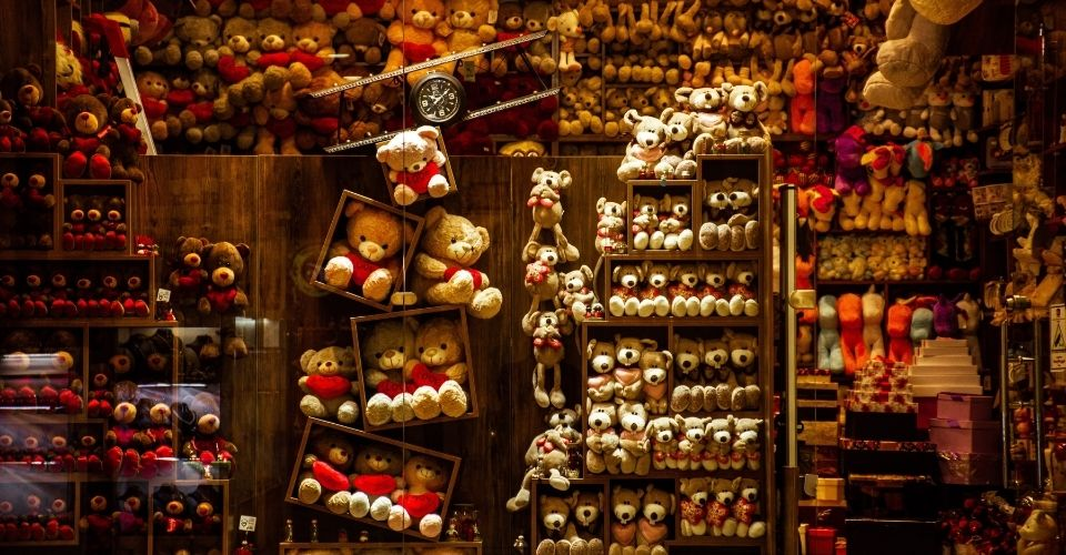 A Complete Guide On How To Start A Toy Store