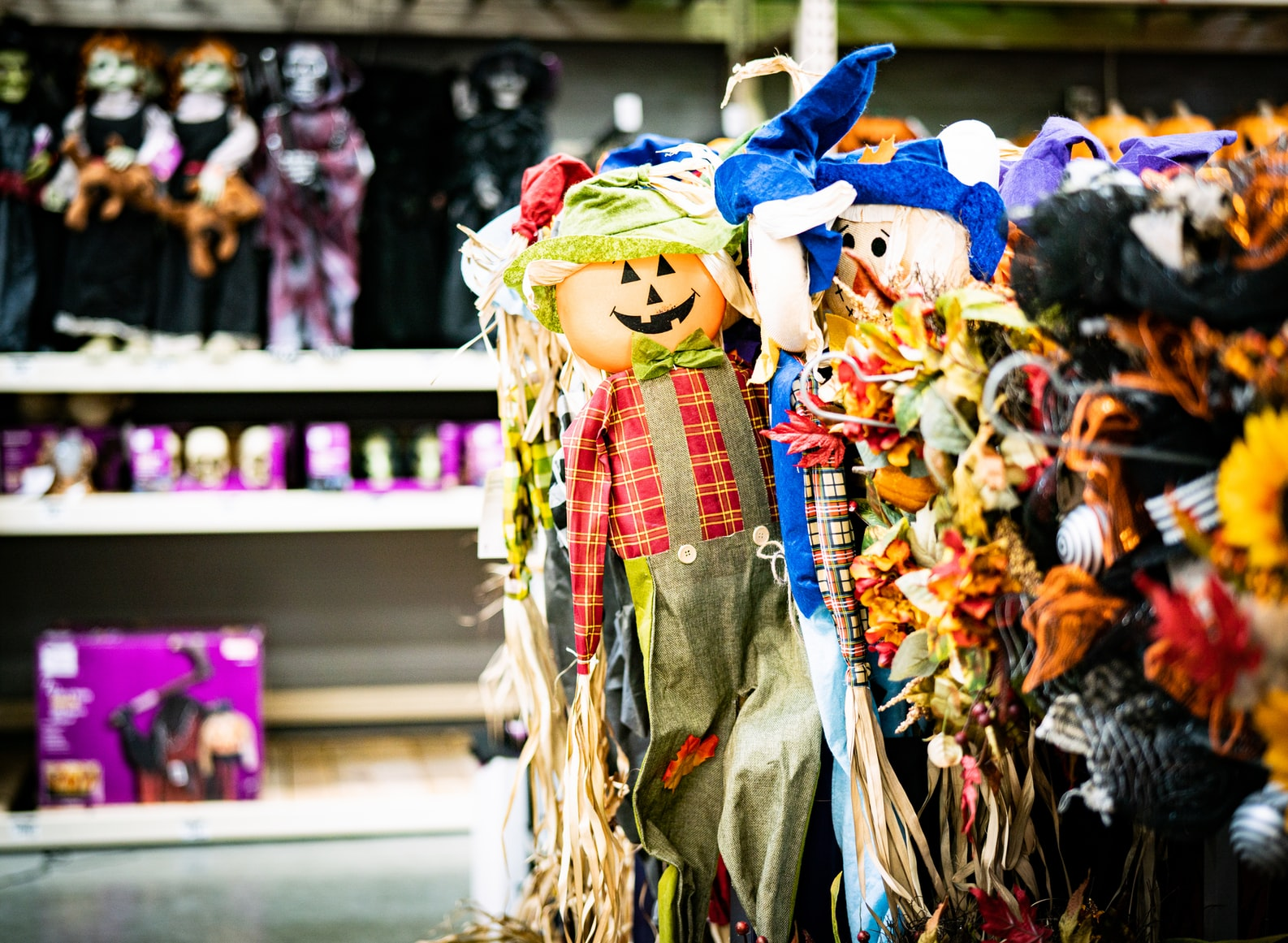 how to attract customers in halloween - promotion
